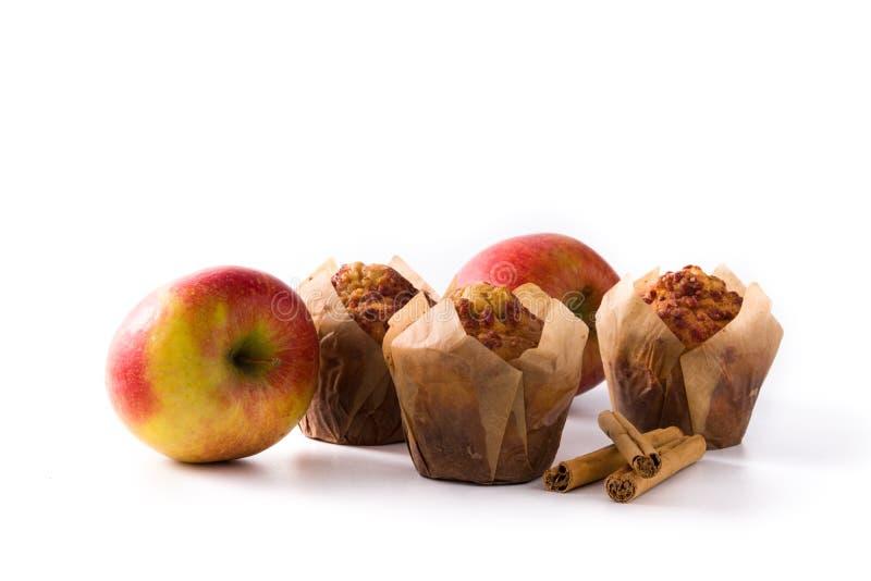Яблоки и изолированные булочки циннамона стоковые фотографии rf