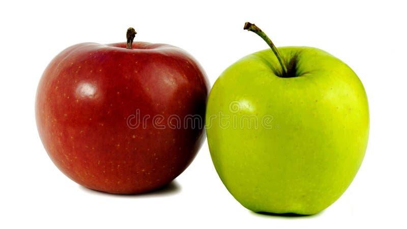 яблоки 2 Красный цвет и зеленый цвет стоковое фото rf