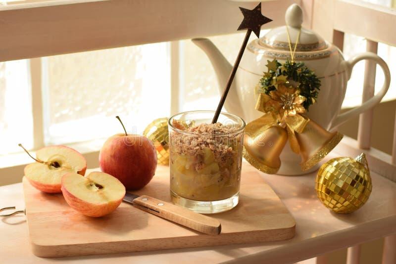 Яблоко scrumble в стекле стоковая фотография