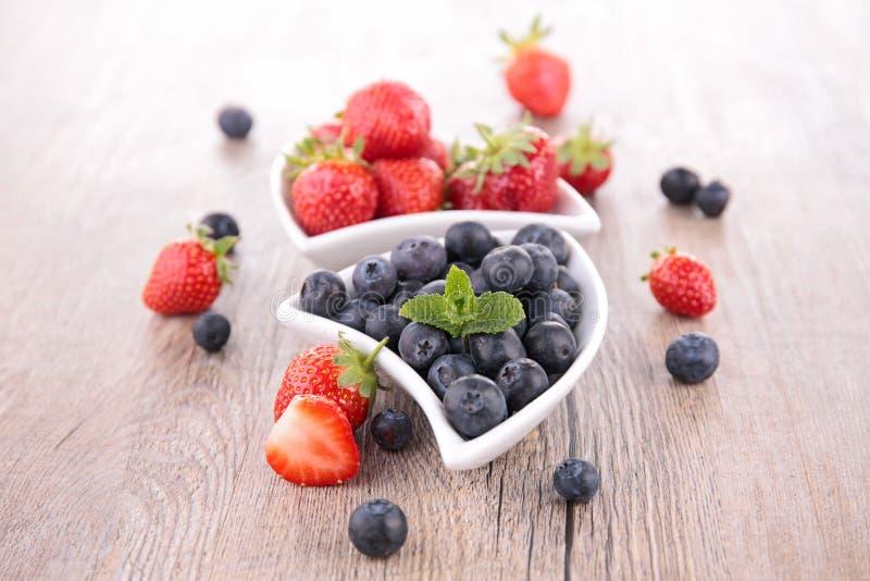 Download ягод стоковое фото. изображение насчитывающей питание - 41651904