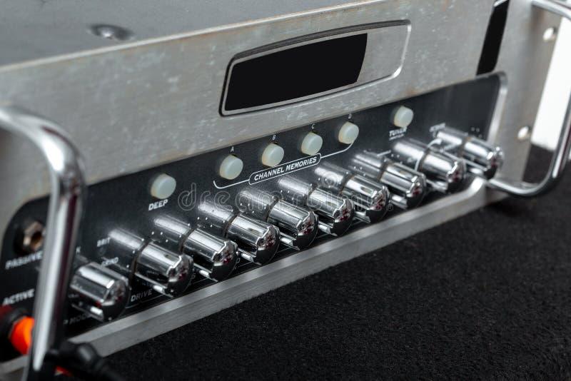 Ядровый усилитель для соединения с микрофоном и смесителем стоковая фотография rf