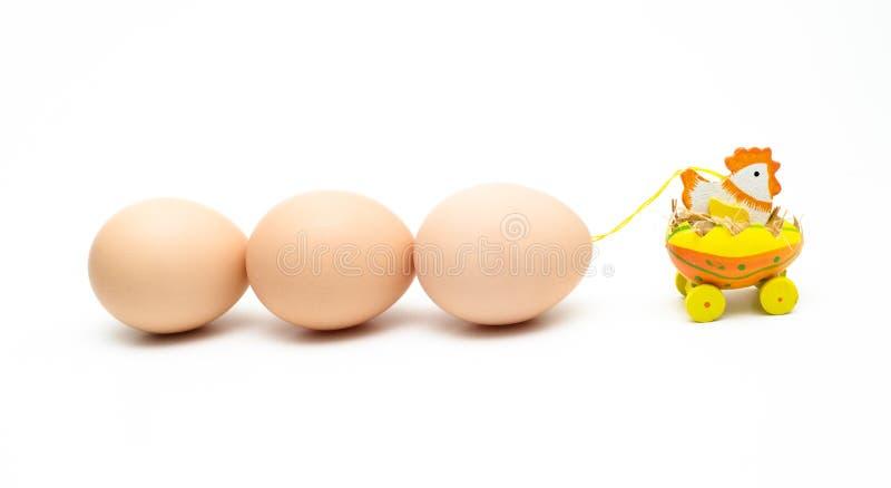 Яичка отбуксировки цыпленка стоковое фото rf