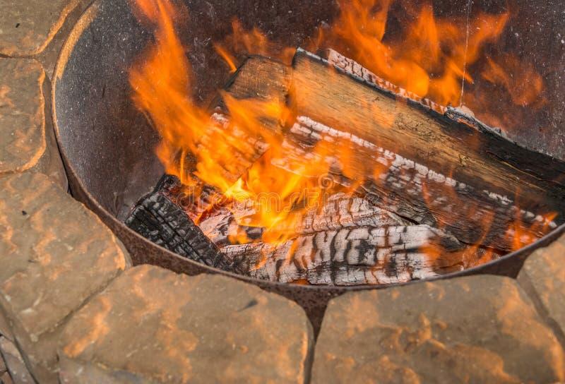 Яма огня стоковая фотография rf