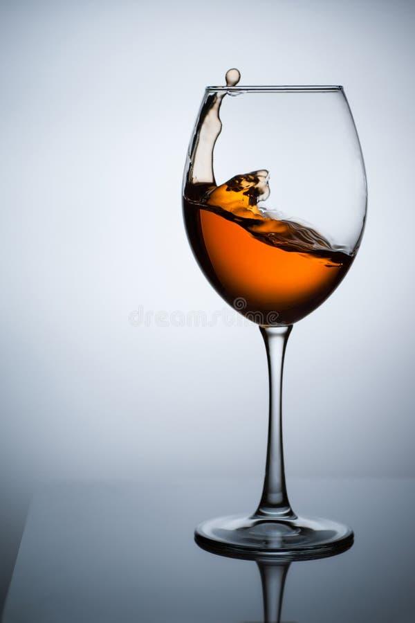 Янтарное вино Вино в стекле стоковая фотография rf