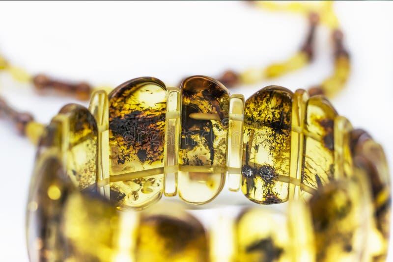 янтарный браслет стоковое фото rf