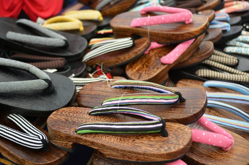 Японская обувь - Geta стоковые изображения