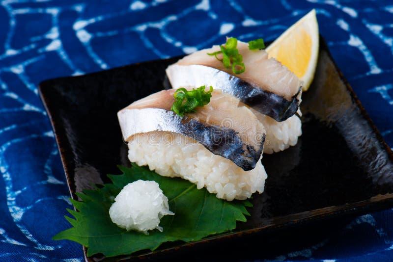 Японская подача суш Saba стоковое фото