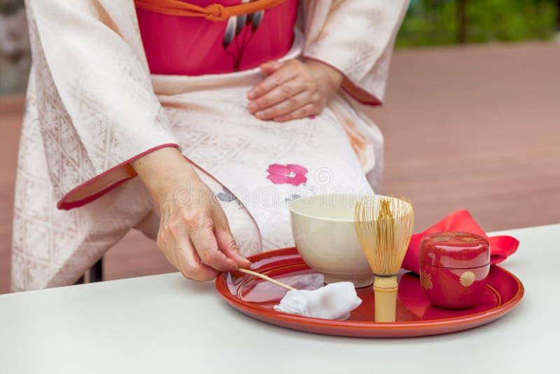 Японская церемония чая, порошок зеленого чая Matcha самый точный вид чая для церемонии чая стоковые фотографии rf