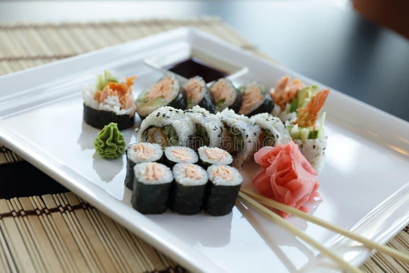 японские суши стоковое изображение rf
