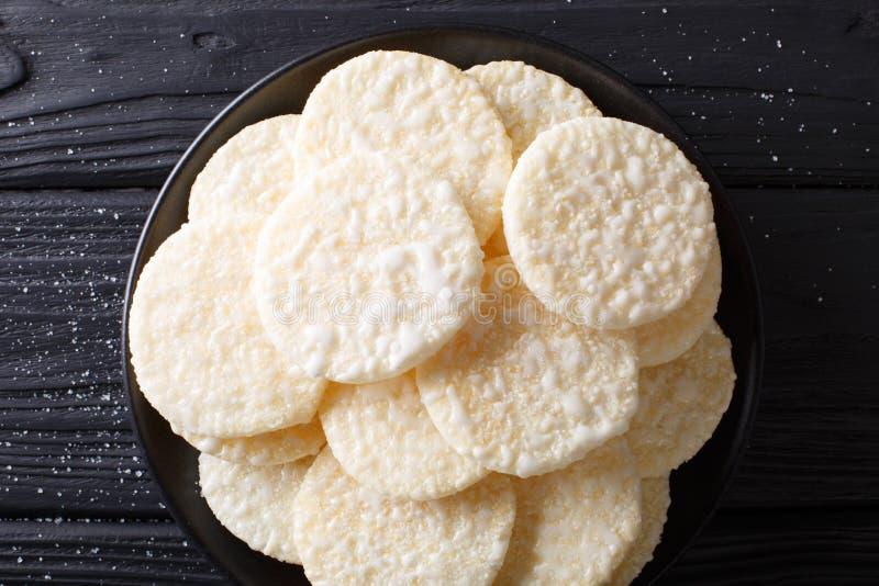 Японские торты риса десерта с концом-вверх сахара на плите Hori стоковые изображения