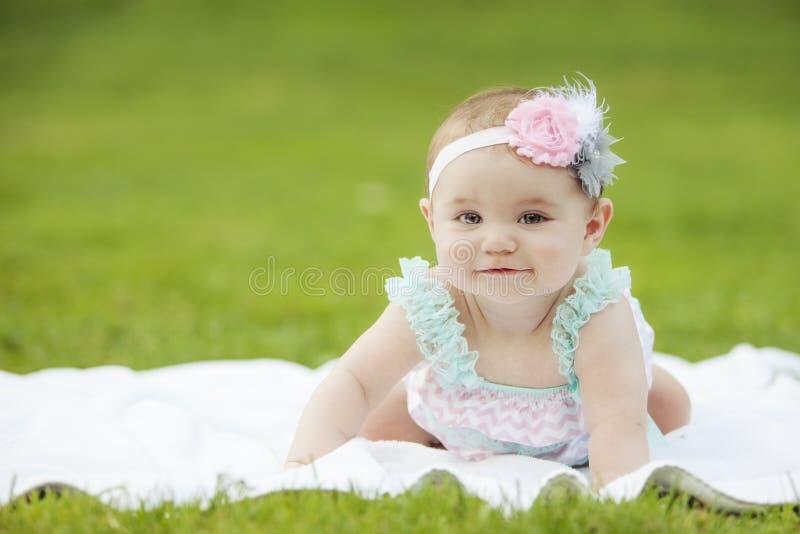 Японский американский усмехаться девушки малыша стоковое фото