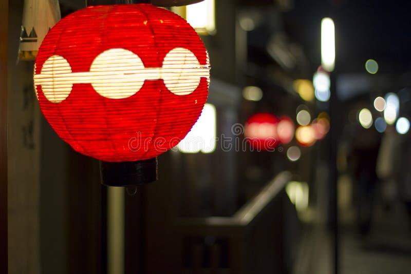 Японский красный бумажный фонарик стоковые изображения