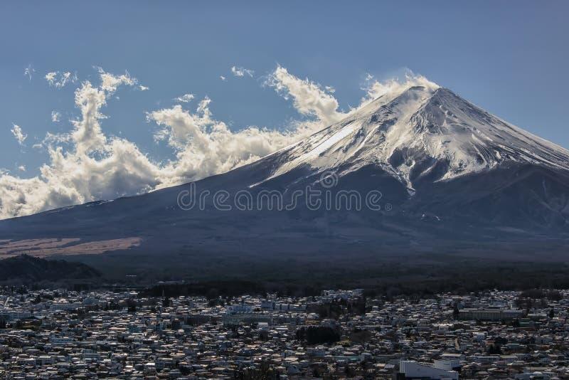 Японский ландшафт в дневном времени стоковое изображение rf