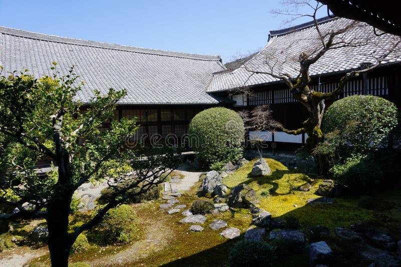 Японский сад в виске Daigoji, Киото стоковые изображения