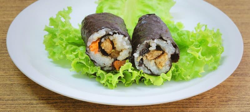 Японское вещество крена суш Maki риса с тофу и морковью стоковые изображения