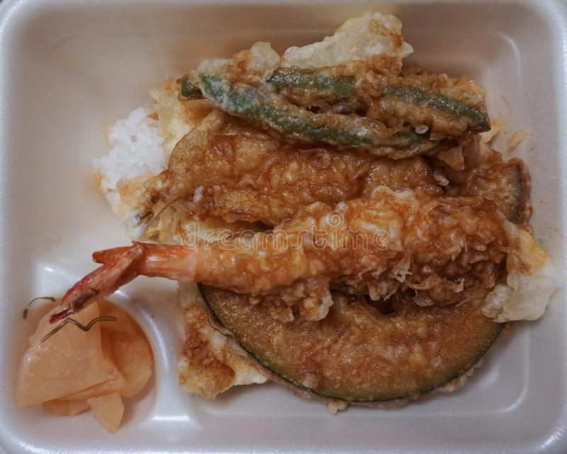 Японское сухожилие тэмпуры фаст-фуда Тэмпура японское блюдо стоковое фото