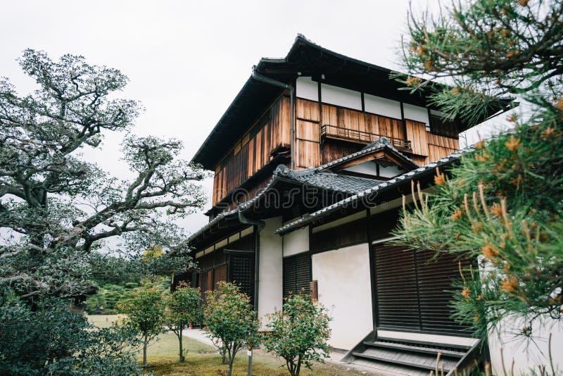 Японское традиционное здание состоит из древесин стоковые изображения rf