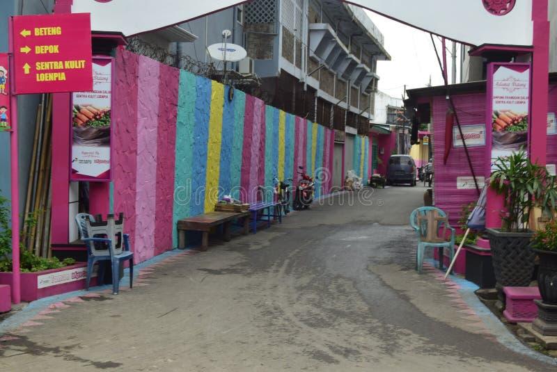 Яркая деревня газа в городе Semarang стоковая фотография rf