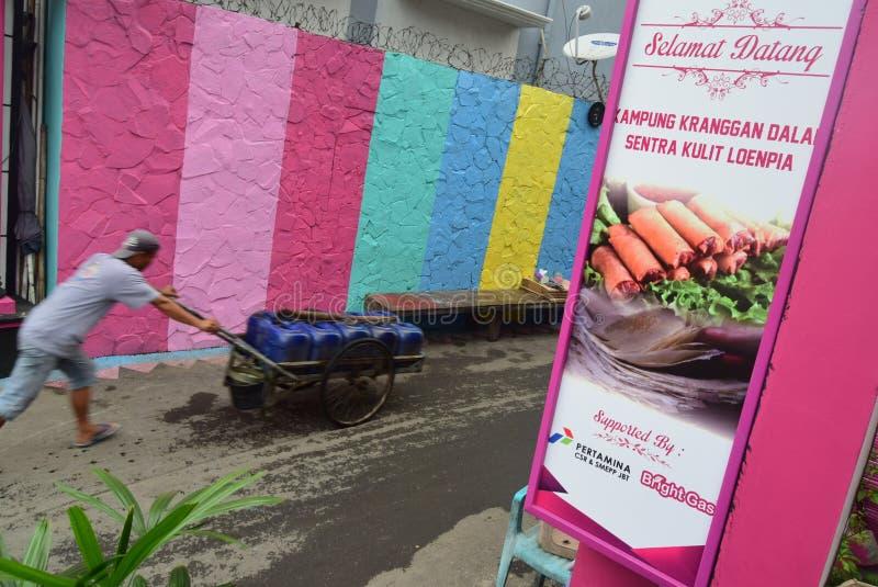 Яркая деревня газа в городе Semarang стоковые изображения rf