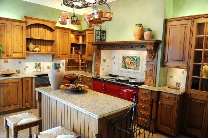 яркая кухня цветов самомоднейшая стоковая фотография rf