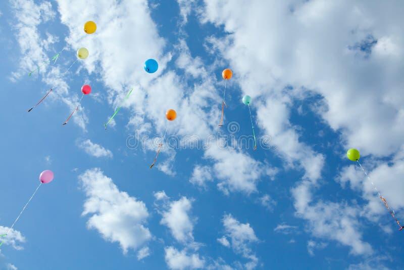 Яркие воздушные шары стоковое изображение