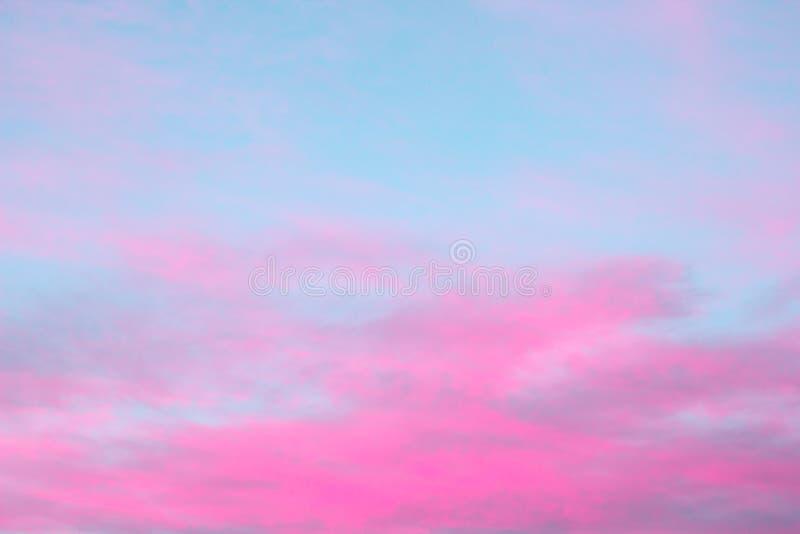 Яркие розовые облака стоковое фото