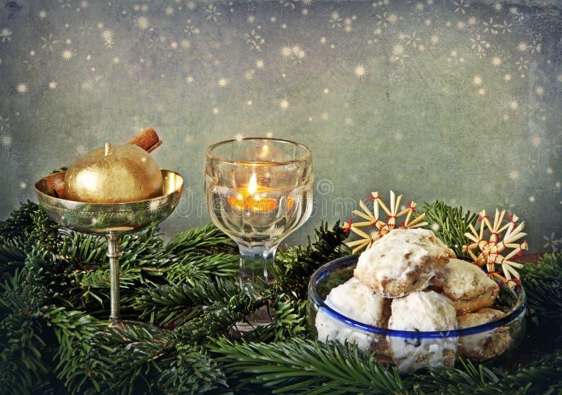 Яркий блеск рождества и печенья масла стоковое фото
