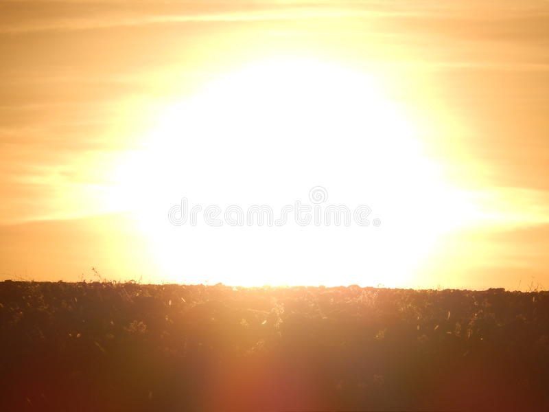 Яркий заход солнца на halfearth стоковая фотография rf