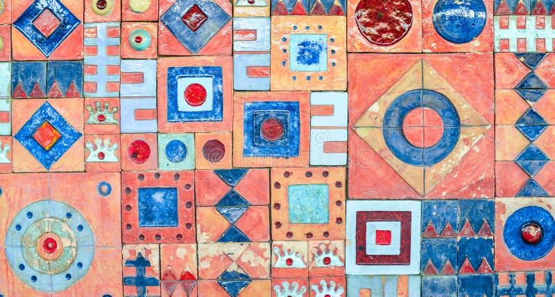 Яркий красочный орнамент стены, ультрамодное оформление цвета Предпосылка плитки картины стоковые фотографии rf