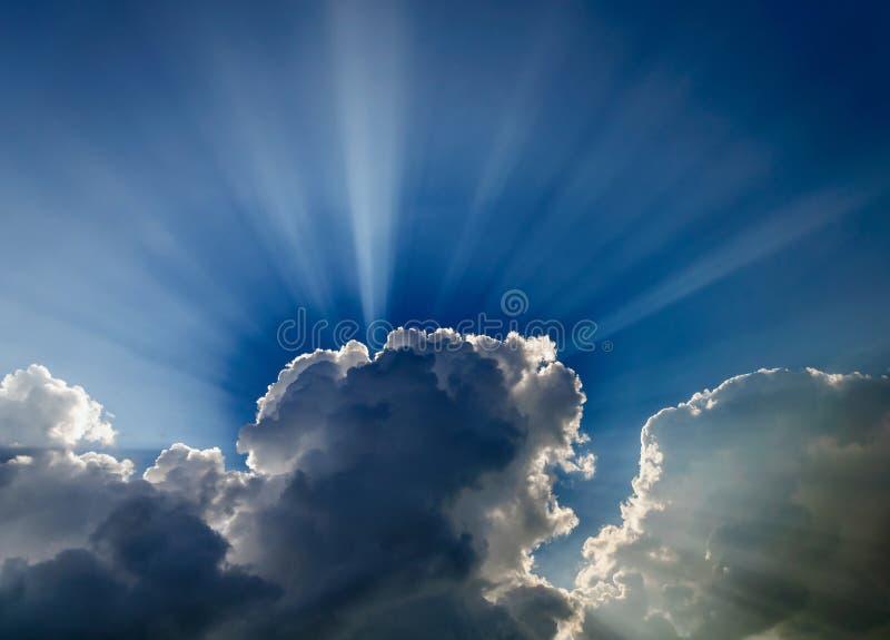Яркий драматический солнечный свет стоковая фотография rf