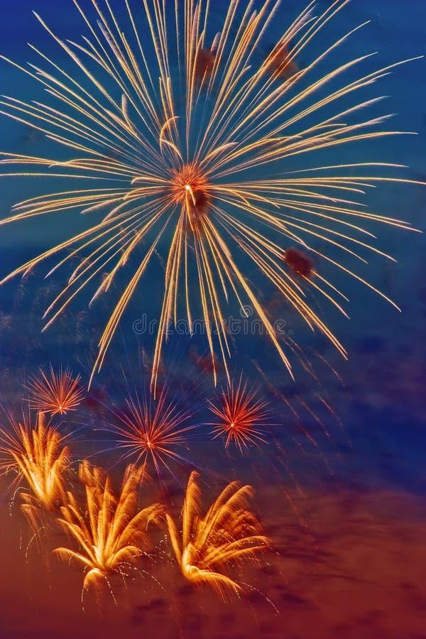 яркий феиэрверк стоковое фото