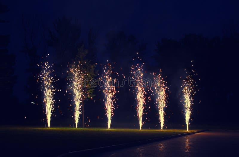 Яркий фейерверк, торжество - концепция стоковое фото rf