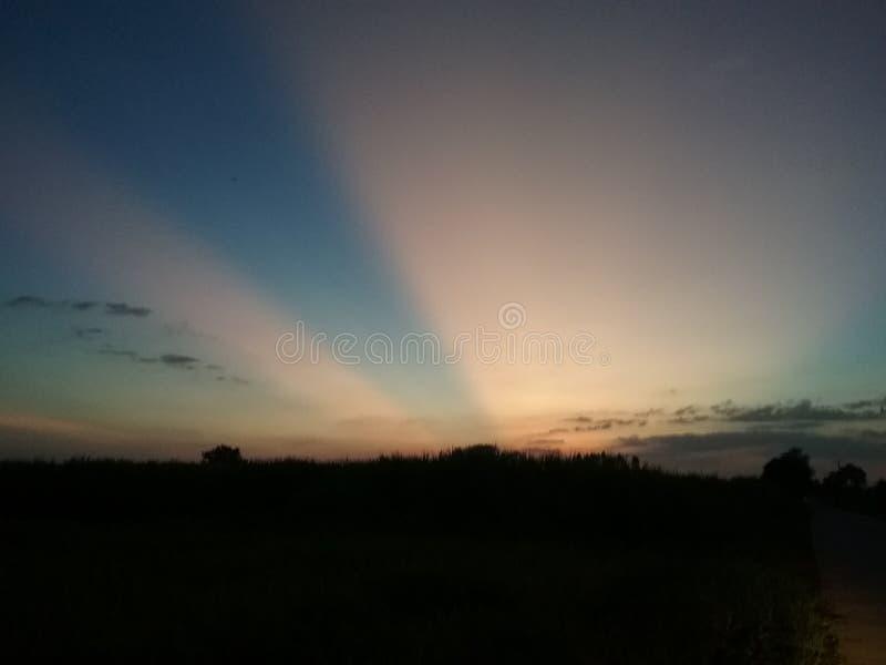 Яркое небо утра стоковые фотографии rf