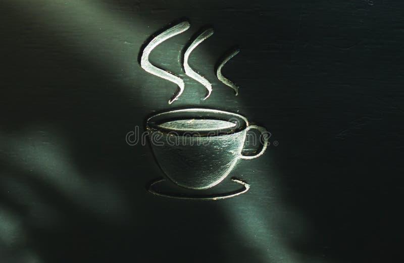 Ярлык кофе символа фонового изображения, сделанный из древесины Имеет космос для входного сигнала текста стоковая фотография