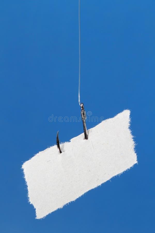 Ярлык пустой бумаги на fishhook стоковое фото rf