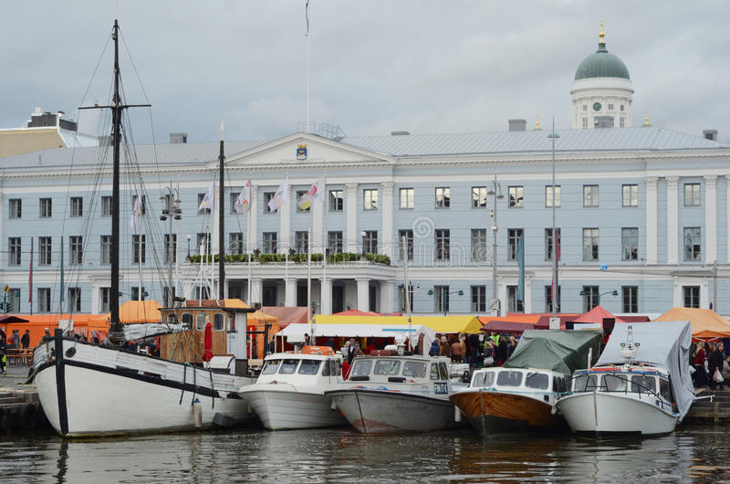� OKTOBER 2012 ХЕЛЬСИНКИ, ФИНЛЯНДИИ: Сельди Fa Хельсинки прибалтийские стоковое изображение