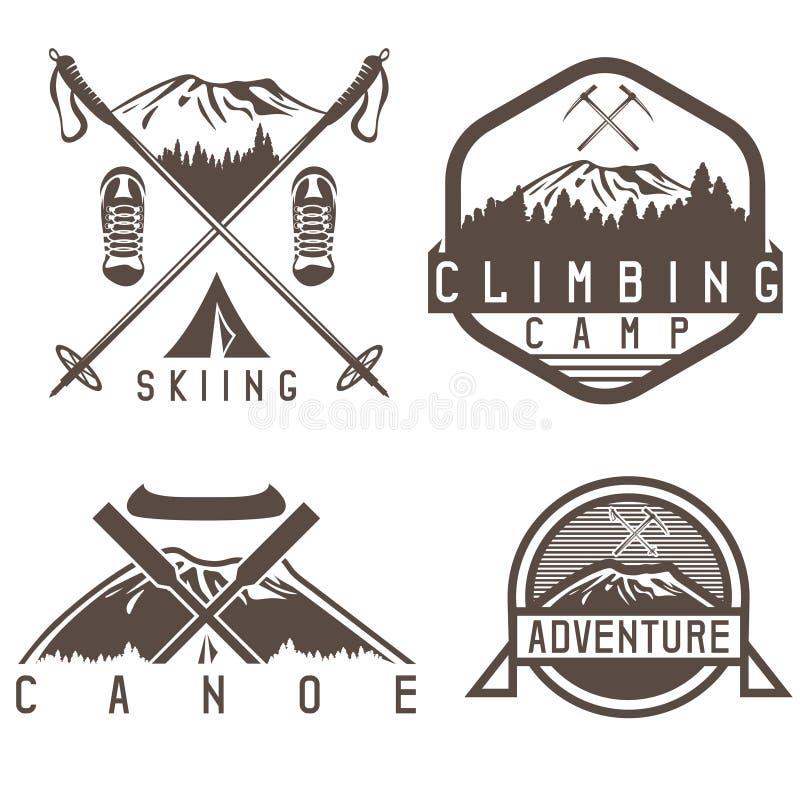 Ярлыки года сбора винограда лагеря катания на лыжах, каное и приключения бесплатная иллюстрация