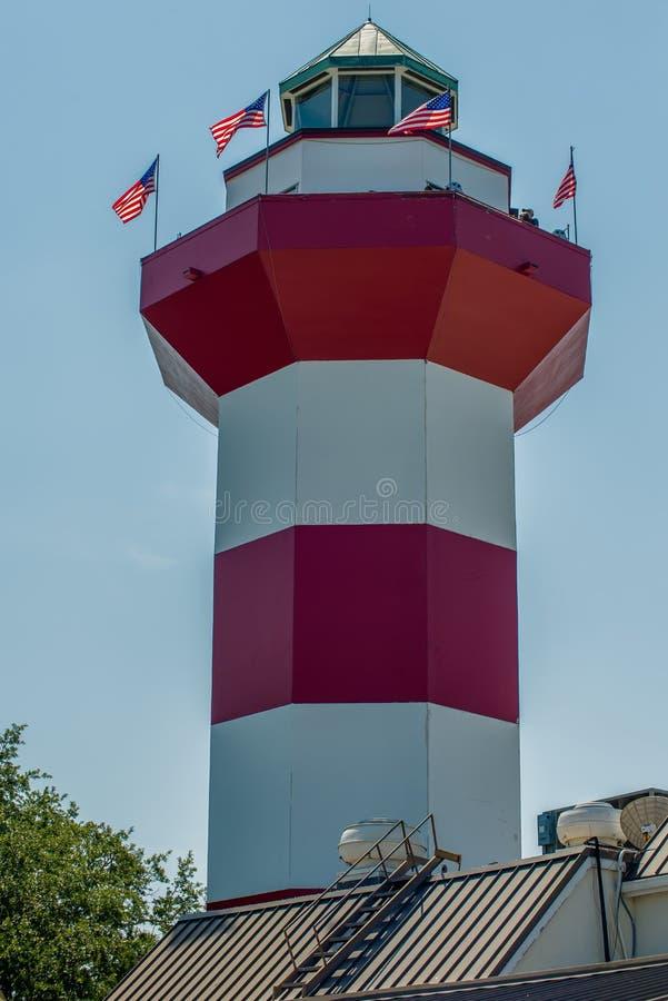 Ясное голубое небо отличает маяком городка гавани - известным l стоковое фото rf