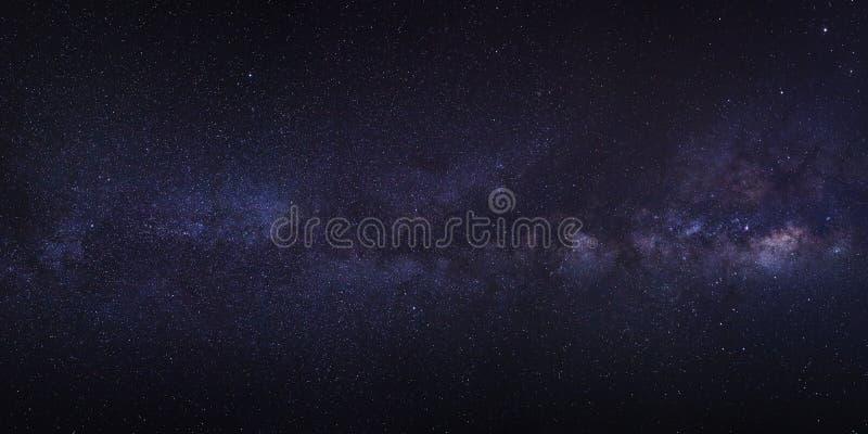 Ясно галактика млечного пути с звездами и космос пылятся в univer стоковые изображения rf
