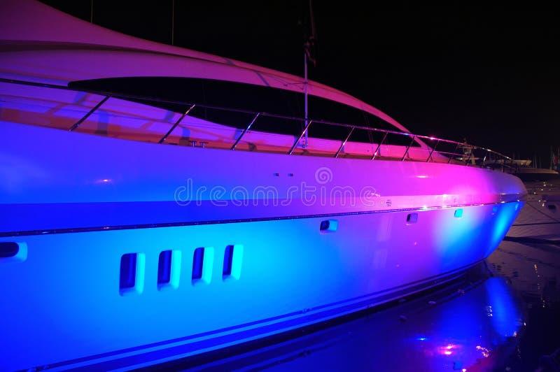 яхта взгляда партии освещения пляжа южная стоковое фото