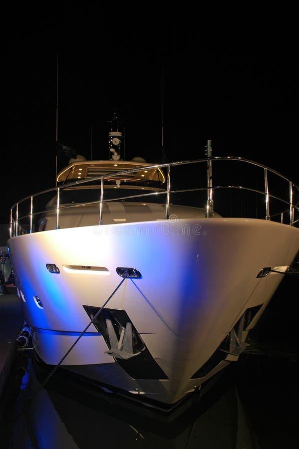 яхта взгляда партии освещения пляжа южная стоковое изображение rf