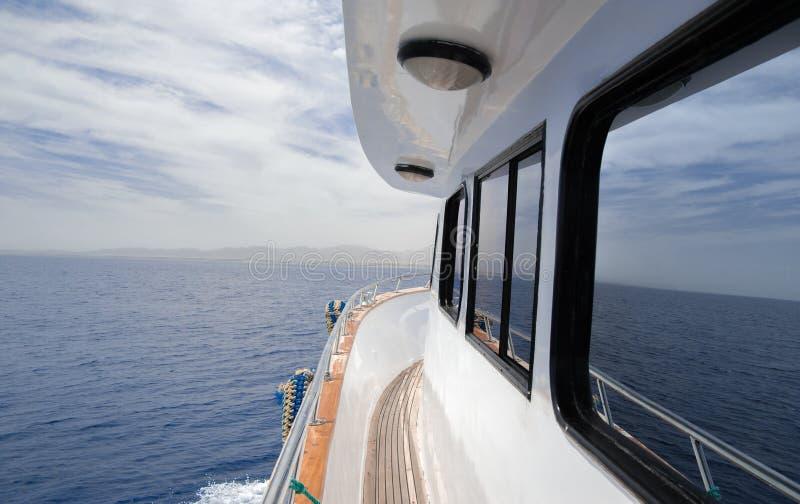 Яхта в море стоковая фотография rf