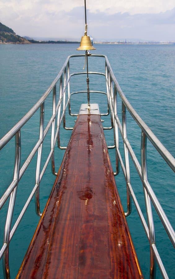яхта моря океана носа вкладыша стоковое изображение rf