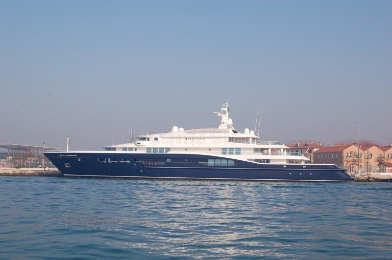 Яхта моря с побережья Венеции, Италии стоковое изображение rf