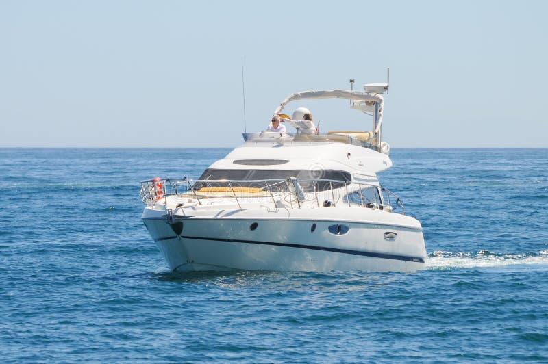 Яхта мотора - Cranchi стоковое фото rf