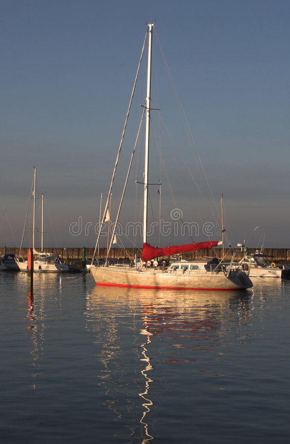 яхта роскоши гавани стоковое изображение rf