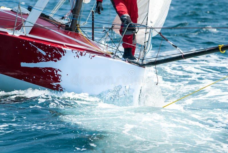 яхта шкипера regatta смычка стоковые фотографии rf