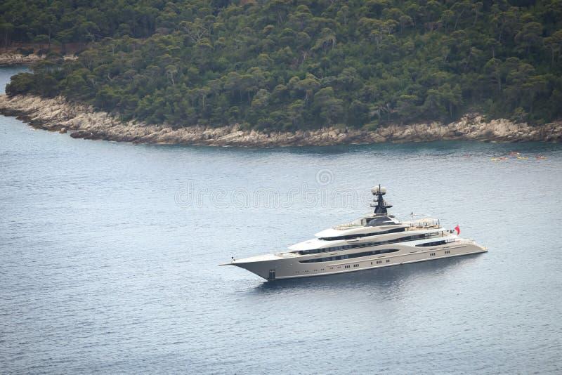 Яхта Kismet в Адриатическом море стоковые фото