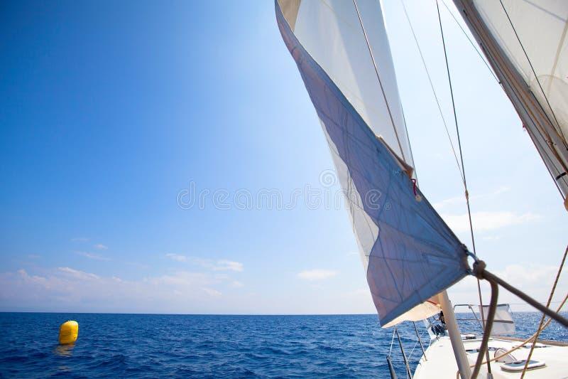 яхта sailing гонки отделки стоковые изображения