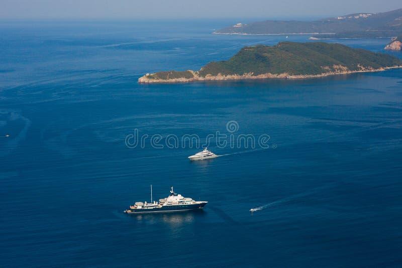 Яхты и шлюпки в Адриатическом море стоковое изображение rf